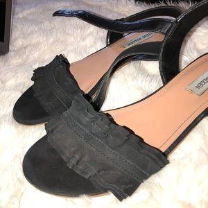 Steve Madden Shoes - ✨Shop sale!💕BOGO 1/12✨ black STEVE Madden sandals